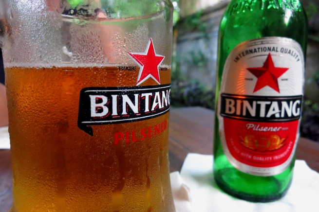 It has been a while since I gave you an arty cliché tourist photo of a Bintang - so here it is - enjoy!