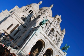 The Sacre-Coeur is popular with tourists and Parisians alike so during the day the steps can be quite busy with people.  It is said on a clear day you can see over 30km away.